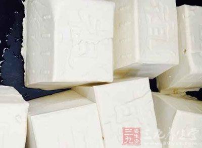 单身的豆腐:豆腐是补益清热养生佳品,可以清热润燥、生津止渴